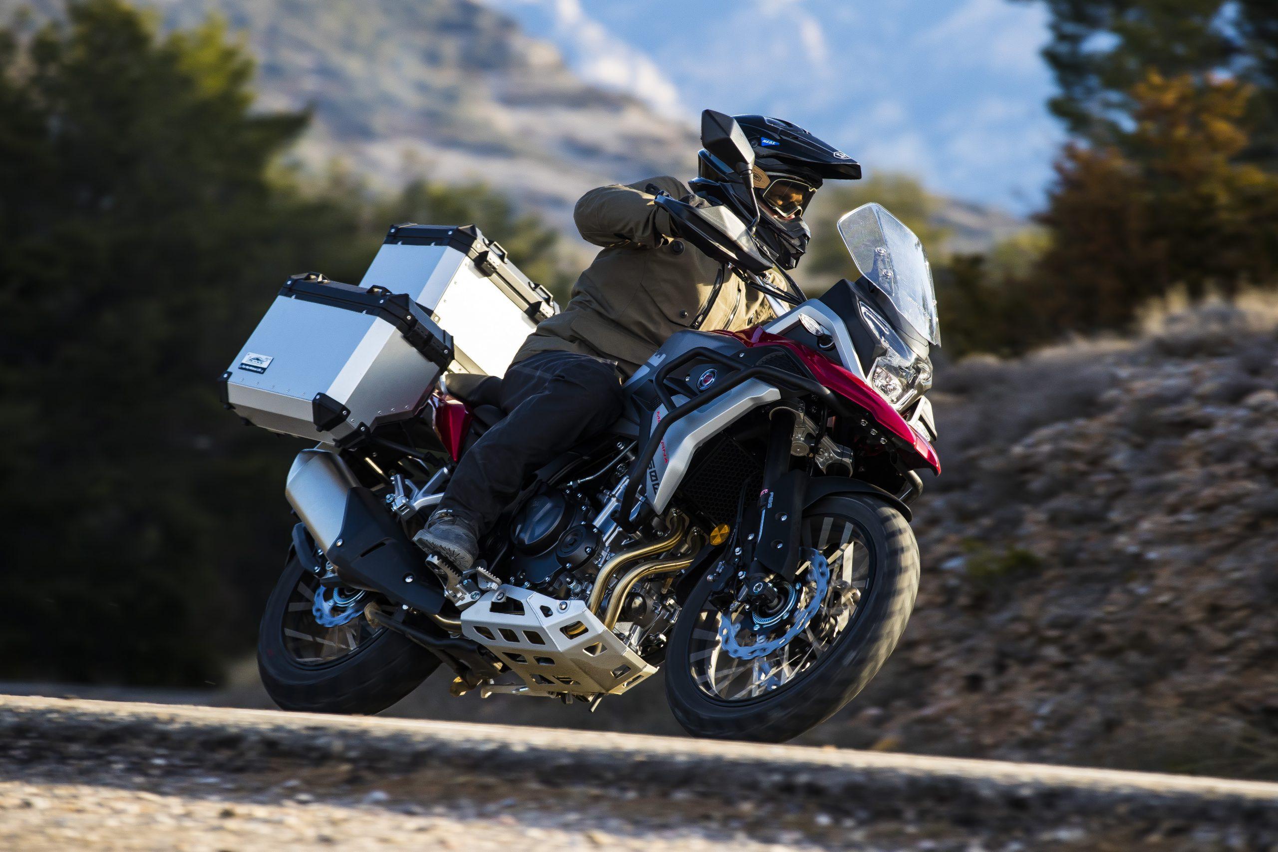 Moto-macbor-nuevo-modelo-montana-xr5-rojo